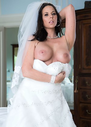 MILF Bride XXX Pictures