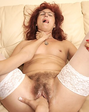 MILF Choking XXX Pictures