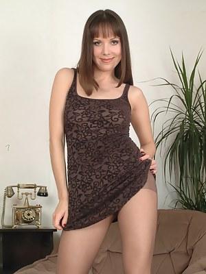 Pantyhose MILF XXX Pictures