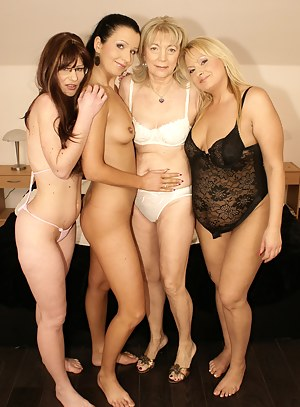 MILF Lesbian Humping XXX Pictures