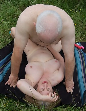 MILF Missionary XXX Pictures