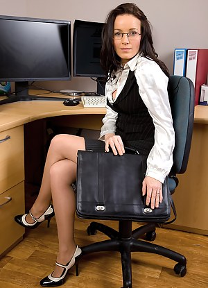 MILF Uniform XXX Pictures