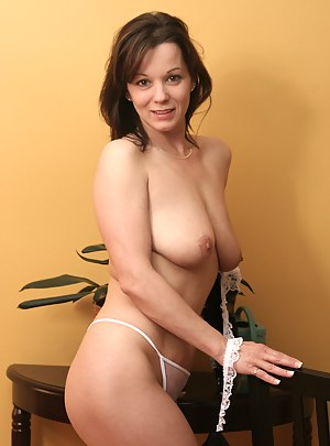 MILF Thong XXX Pictures